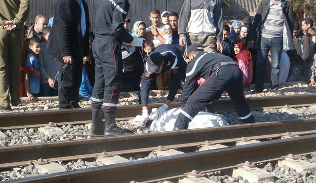أصيلة.. سيدة تلقي بنفسها في السكة والقطار يقسم جسدها نصفين