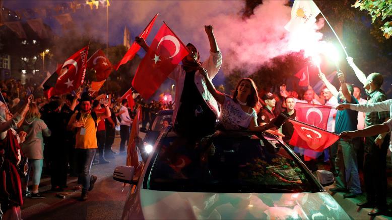 ليلة صاخبة في تركيا بعد فوز أردوغان بولاية ثانية