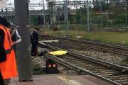 مهاجر مغربي ينتحر تحت عجلات قطار بإيطاليا
