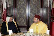 الملك يهنئ أمير دولة قطر بذكرى توليه الحكم
