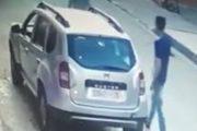 فيديو مثير.. لص يسرق مليون ونصف من سيارة بمراكش