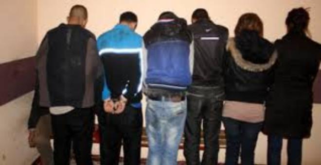 الإفطار في رمضان يقود إلى اعتقال أفراد عصابة إجرامية ضمنها فتاتين متورطة في جرائم خطيرة