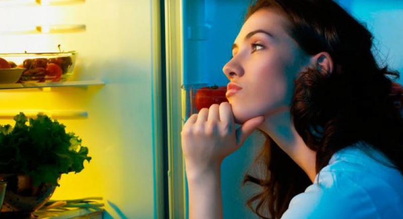 دراسة: وجبات العشاء المتأخرة تسبب هذا المرض القاتل
