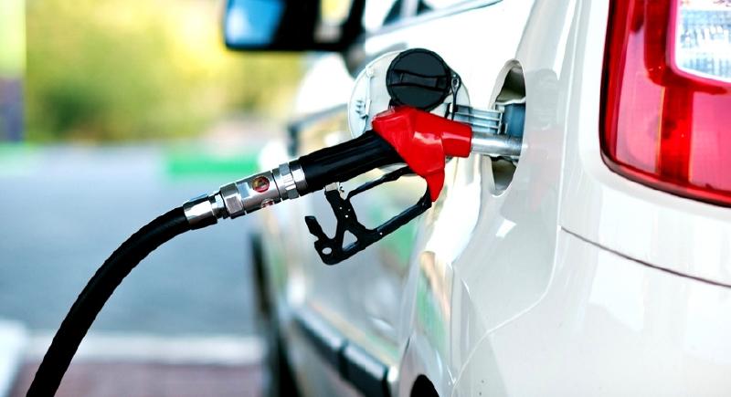 تجنبها ..  هذه التصرفات تستهلك الوقود في سيارتك!
