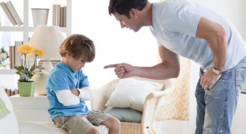 عادات الأطفال القبيحة.. كيف نخلص أبناءنا منها؟