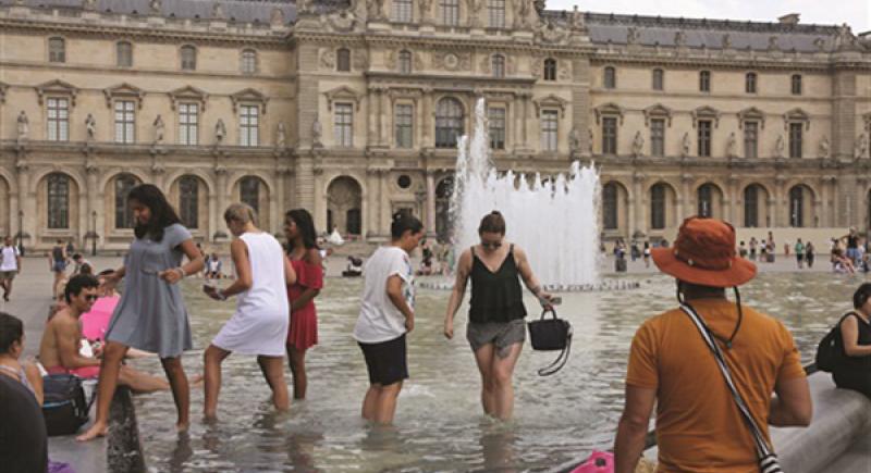 العلماء يكشفون عن أسباب أكبر موجة حر تجتاح العالم