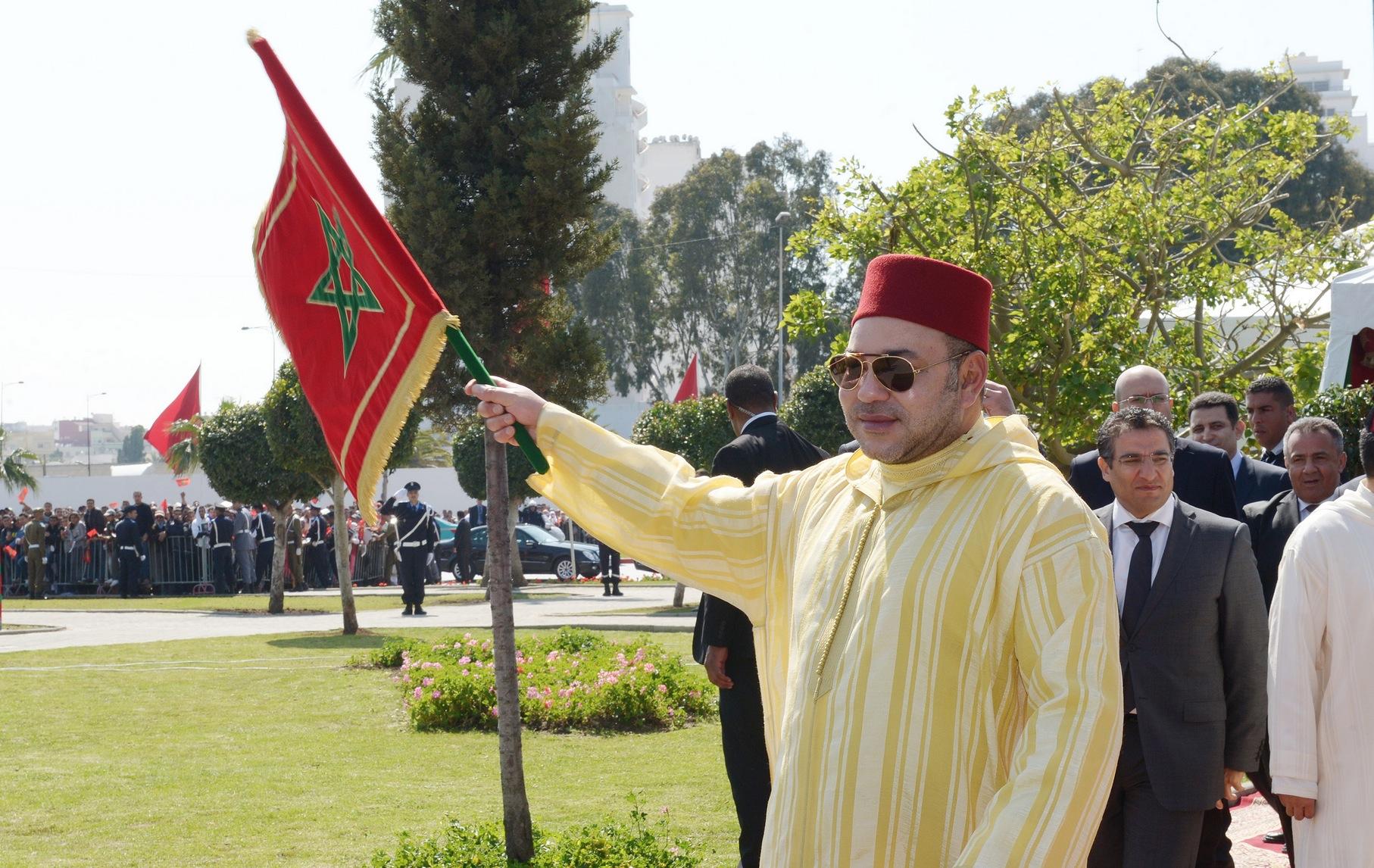 الملك محمد السادس يدشن بطنجة مسجد