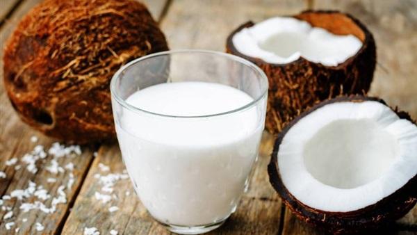 7 فوائد مذهلة لاستخدام حليب جوز الهند على الجلد