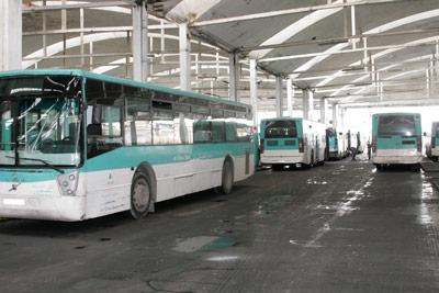حريق يأتي على حافلة بالبيضاء.. و''مدينة بيس'' تحمل المسؤولية للسائق