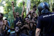 إسبانيا تدق ناقوس الخطر لوجود حوالي 50 ألف مهاجر إفريقي في شمال المغرب