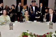 الأميرات الجليلات يترأسن مأدبة عشاء أقامها الملك بمناسبة عيد العرش