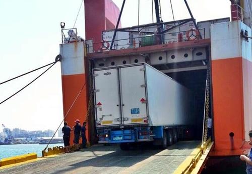 حجز 3 بنادق صيد وحوالي 250 خرطوشة بميناء طنجة المتوسط