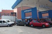 """بالفيديو.. ركاب يرفضون إكمال الطريق مع سائق سيارة أجرة بسبب دخوله محطة """"إفريقيا """""""