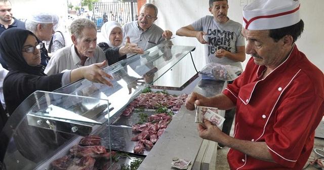 محلل جزائري: سياسة تعويم الدينار قد تؤدي إلى إنفجار اجتماعي في البلاد