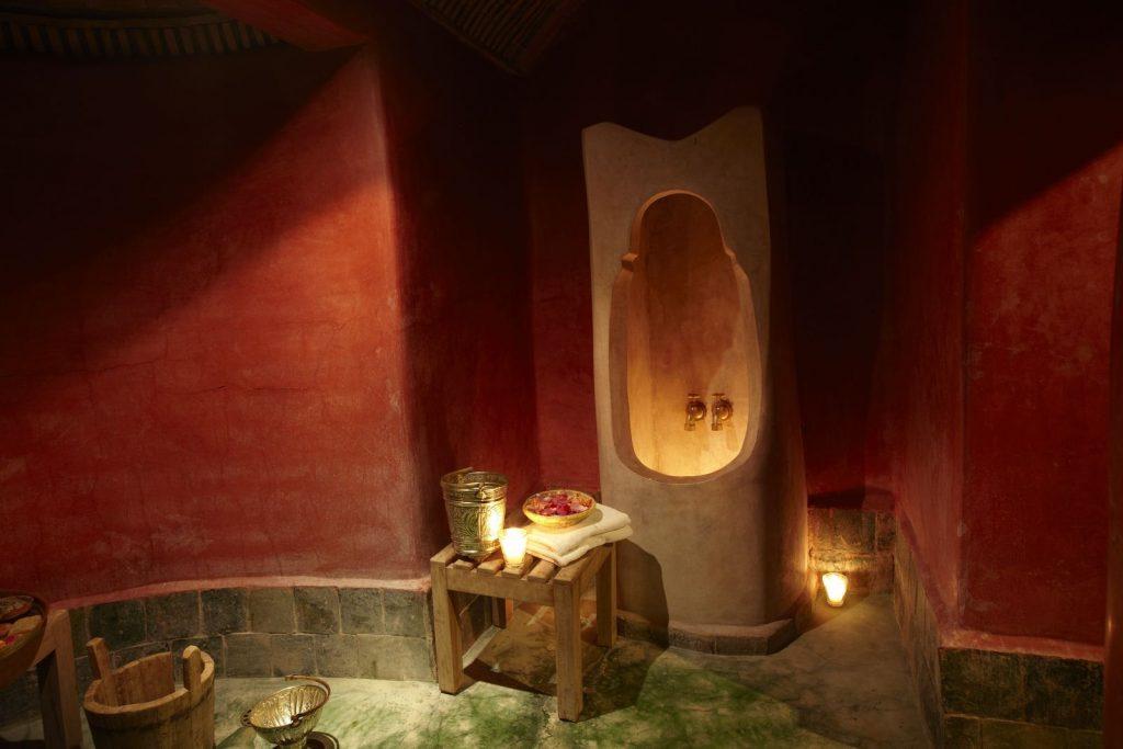 """""""طيابة"""" تكشف تفاصيل مثيرة تصوير نساء عاريات داخل حمام شعبي ببركان"""