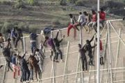مهاجرون أفارقة يستغلون عيد الأضحى لاقتحام سبتة المحتلة