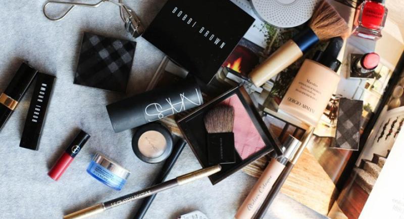 دراسة: مستحضرات التجميل قد تصيب بالعقم