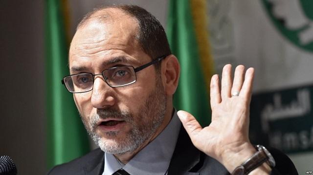 سياسي جزائري: