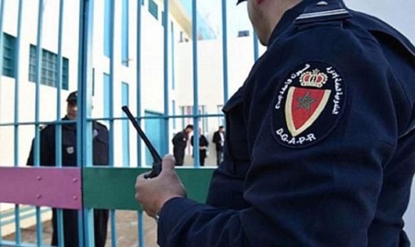 """سجن الناظور 2 ينفي تعرض سجين """"للاعتداء والابتزاز"""" من طرف موظفين"""