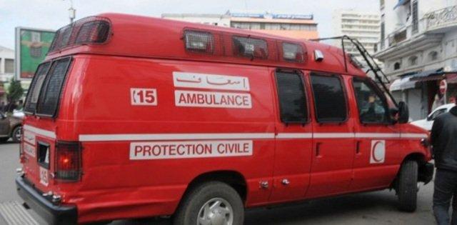 وتتوالى الفاضائح.. زوج يولد زوجته داخل سيارة إسعاف !