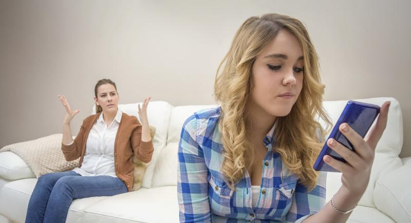 5 طرق لتعامل صحي مع ابنتك المراهقة