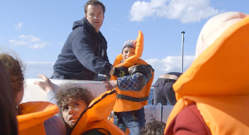 وفاة ''مَلاَكْ اللاجئين'' الذي أنقذ 5 آلاف مهاجر بالمتوسط