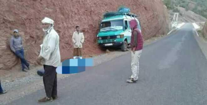 ركاب ينجون بأعجوبة من حادثة سير مخيفة