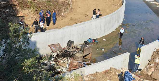 مصرع 22 مهاجرا بينهم أطفال في انحراف شاحنة بتركيا