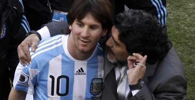 مارادونا واصفا ميسي: يذهب للمرحاض 20 مرة قبل المباراة وهو ليس بقائد