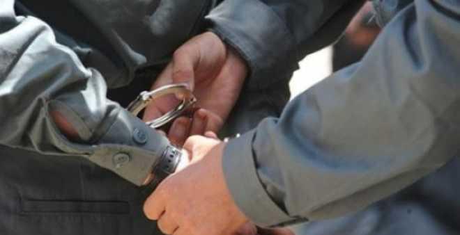 مساعد إداري يتورط في محاولة السرقة وحيازة المخدرات