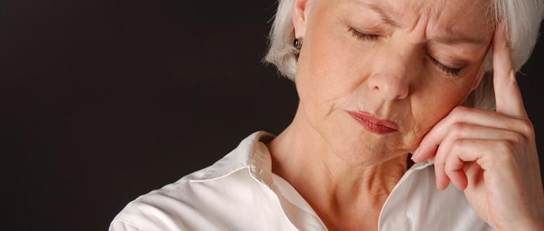 6 علامات تنذر بانقطاع الطمث وهكذا تواجهين مضاعفاته