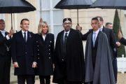 الملك وولي العهد يصلان إلى فرنسا ويلتقيان ماكرون