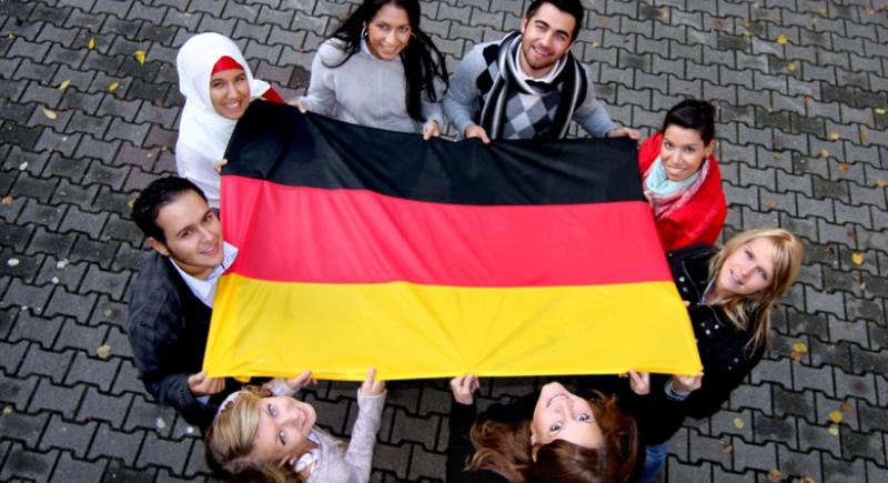 قانون جديد للهجرة.. ألمانيا تفتح أبوابها أمام اليد العاملة الماهرة