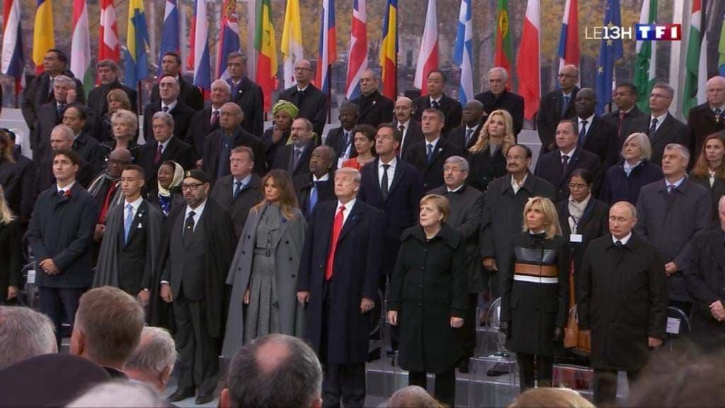 الملك وولي العهد يتوسطان قادة العالم في احتفالات هدنة الحرب العالمية الأولى