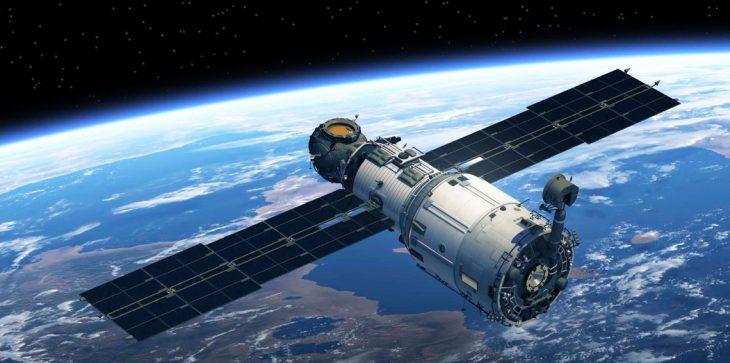 رسميا.. المغرب يطلق القمر الصناعي