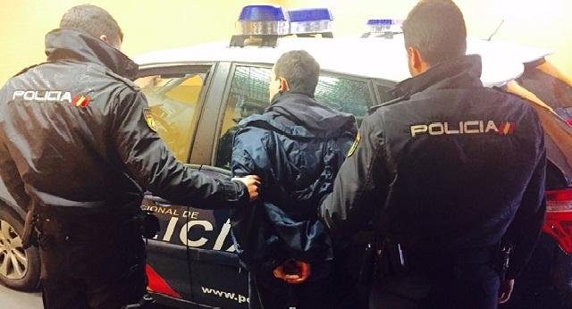 إسبانيا تطرد مغربيا بسبب اعتقاله 21 مرة خلال 10 سنوات