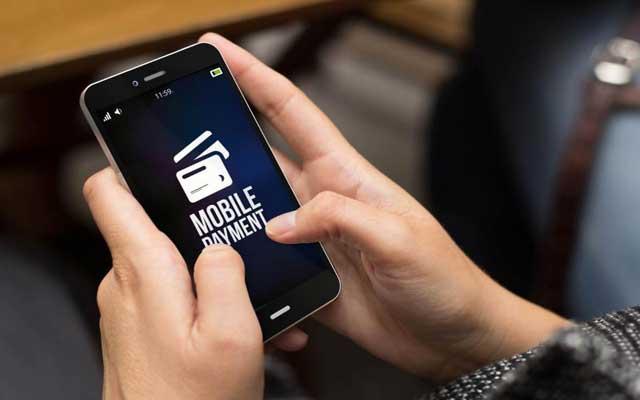 المغرب يطلق خدمة جديدة للأداء بواسطة الهاتف النقال