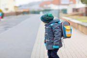 كيف تهيئين طفلك لصباح شتوي في المدرسة؟