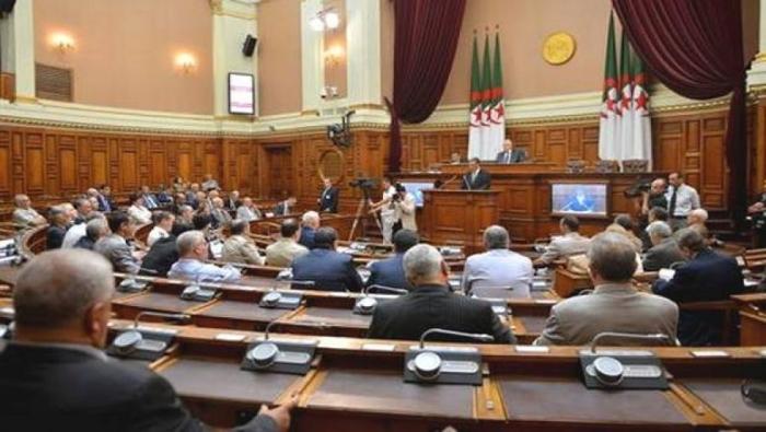 ''لا مبالاة'' مسؤولين جزائريين أمام وفود أجنبية تثير موجة سخرية