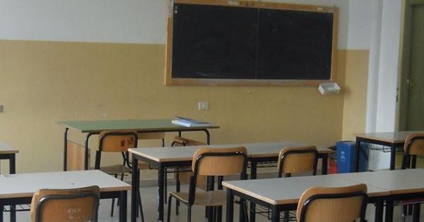 إضراب ''أساتذة التعاقد'' يوقف الدراسة بعدة مؤسسات تعليمية
