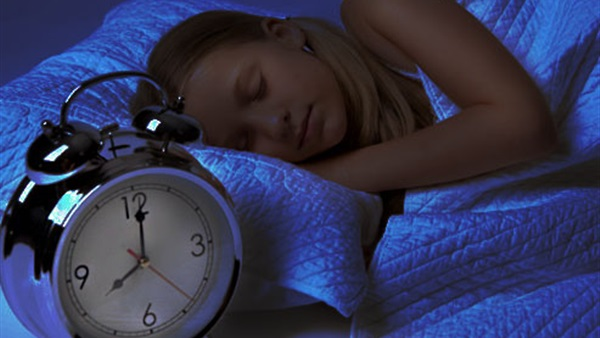 5 خطوات تسهل نوم الطفل مبكرا