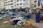 أحياء راقية بالدارالبيضاء تغرق وسط الأزبال
