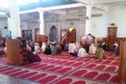 أكادير.. دخول مفوض قضائي مسجدا بحذائه يجره أمام القضاء