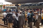 بعد الزيادة في التذاكر.. مسافرون يحتجون على تدني خدمات قطارات لخليع