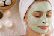 باستخدام فواكه ومواد طبيعية.. أقنعة مبهرة تعالج مشكلات الوجه