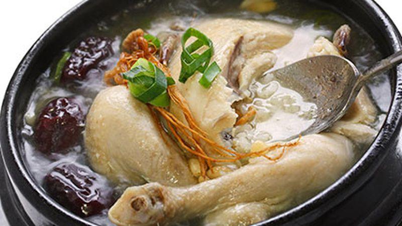 تحذير من خطأ قاتل قبل طهي الدجاج