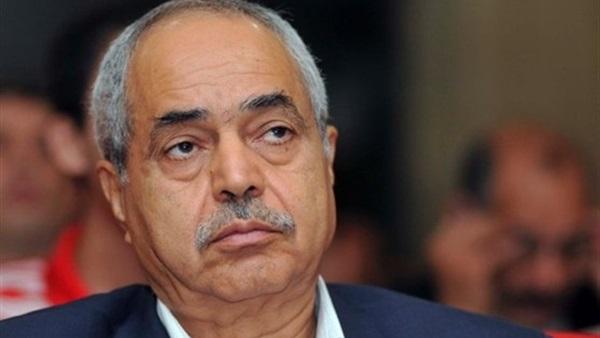رئيس حكومة أسبق: تسوية الأزمة السياسية بالجزائر ستتم بتغيير النظام