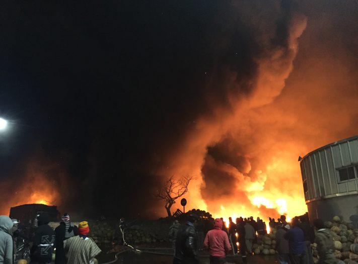 حريق سوق الجملة.. معطيات جديدة حول الخسائر ومهنيون يطلبون زيارة ملكية