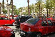 أرباب سيارات الأجرة الصغيرة بفاس يمددون إضرابهم.. ومواطنون متذمرون