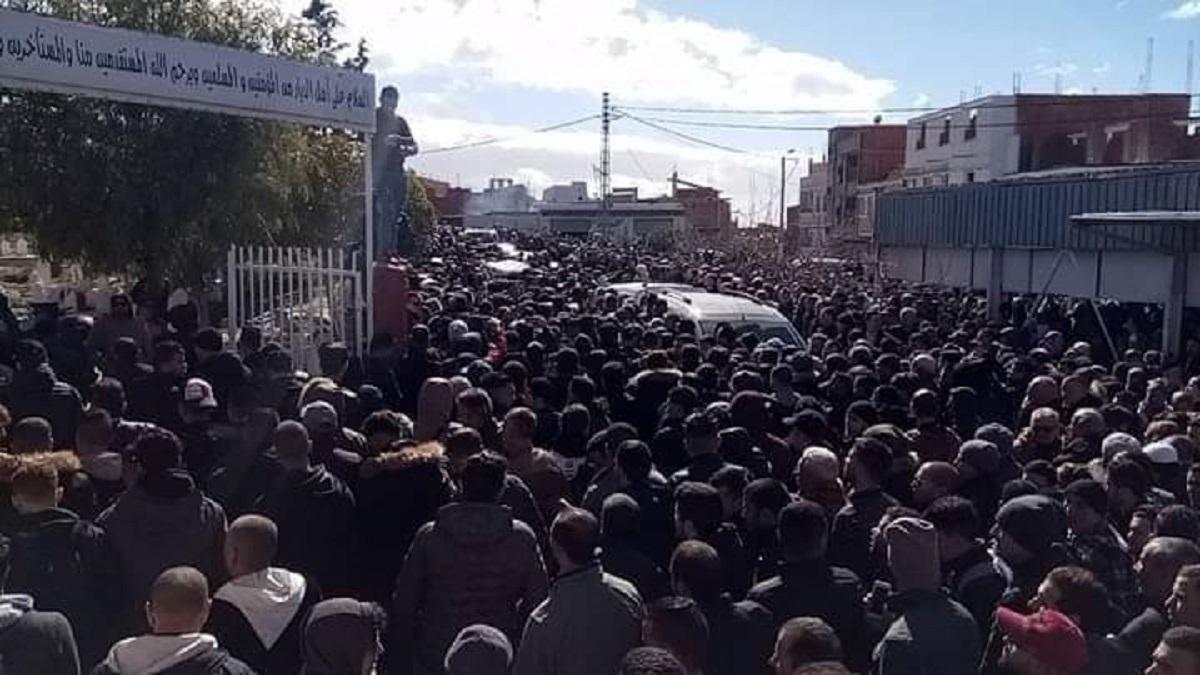 وسط غضب شعبي.. تشييع جنازة الطالب أصيل بالجزائر (صور)